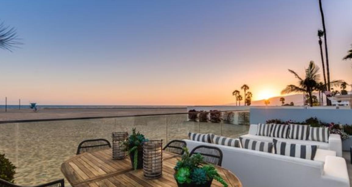 This Santa Monica Beach-Side Home is Breathtaking