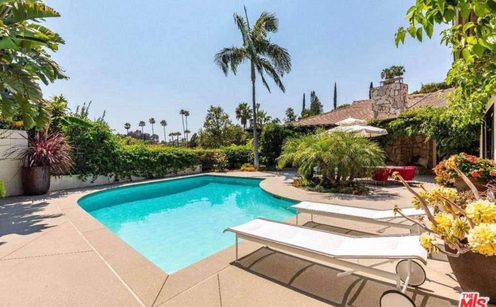 New Home Listing: 1070 N Hillcrest Rd Beverly Hills, CA 90210