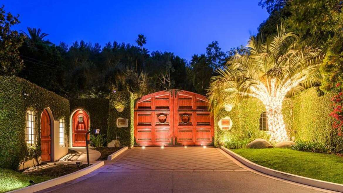 New Home Listing: 2727 Benedict Canyon Dr Beverly Hills CA 90210