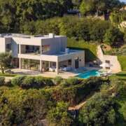 Homes for Sale: 13449 Mulholland Dr, Beverly Hills, CA 90210