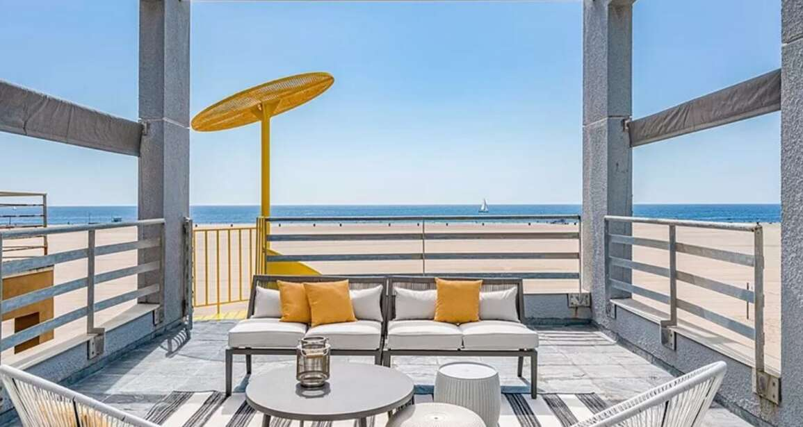 Luxury Living: 1323 Palisades Beach Rd, Santa Monica, CA 90401